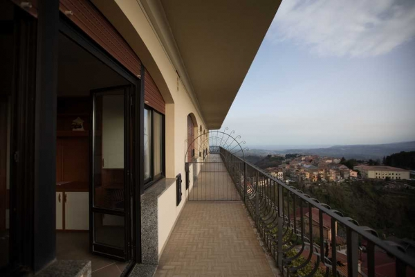 duemari-hotel-2546277C0D-9FF7-87C3-6B25-2297C3EB2FAA.jpg